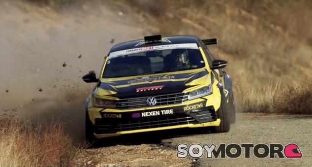 Tanner Foust en plen acción con su particular Volkswagen Passat - SoyMotor