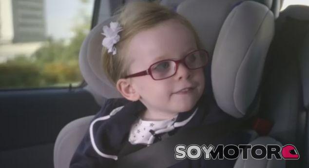 Sophie durante el viaje previo a su experiencia con el camión Volvo - SoyMotor