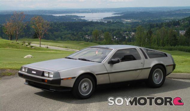 El DeLorean DMC-12 es uno de los coches más famoso de la historia del cine - SoyMotor