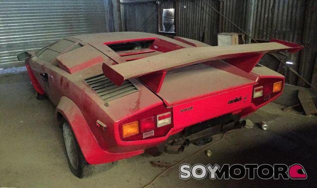 Este Lamborghini Countach S es uno de los vehículos que aparecieron en este granero - SoyMotor