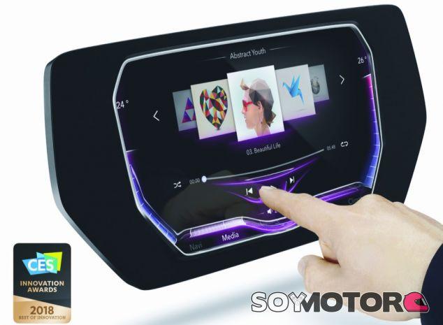 La pantalla 3D Touch Surface Display de Continental galardonada en el CES 2018 - SoyMotor.com