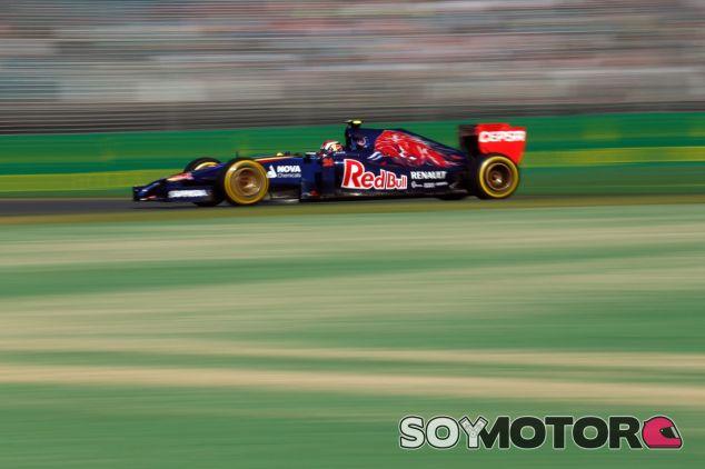 Daniil Kvyat y su STR9 durante los libres de Australia - LaF1