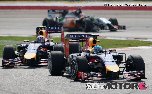 Sebastian Vettel y Daniel Ricciardo en Malasia - LaF1