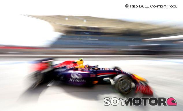Daniel Ricciardo y su Red Bull en el Gran Premio de Baréin - LaF1