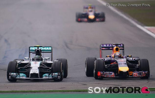 Nico Rosberg y Daniel Ricciardo, en paralelo en Shanghái - LaF1
