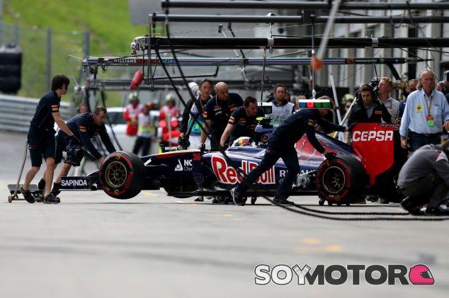 Daniil Kvyat en Toro Rosso - LaF1