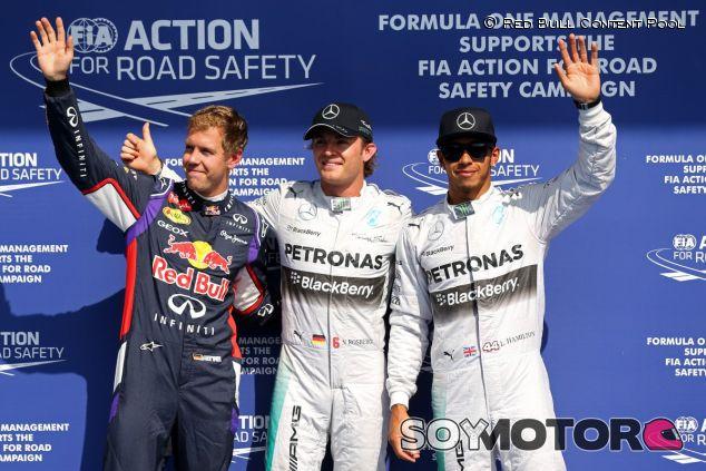 Nico Rosberg, acompañado de Lewis Hamilton y Sebastian Vettel - LaF1