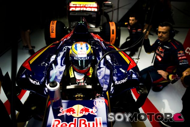 Jean-Éric Vergne en el box de Toro Rosso - LaF1