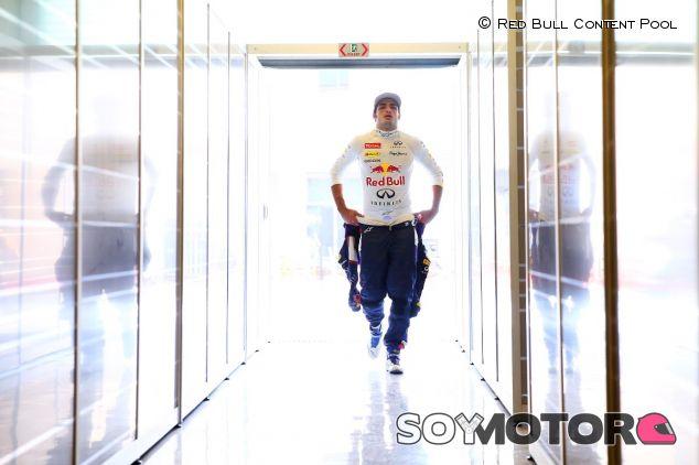 Carlos Sainz durante los test de Abu Dabi - LaF1
