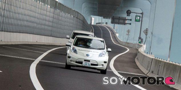 El Nissan Leaf Piloted Drive Concept en circulación - SoyMotor