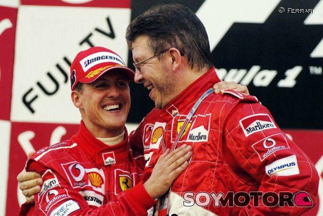 Ross Brawn mantiene contacto con la familia Schumacher - LaF1