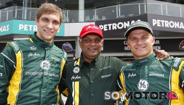 Petrov, Fernandes y Kovalainen durante el GP de Malasia en 2012