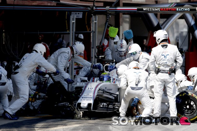 Pitstop del equipo Williams en Barcelona - LaF1
