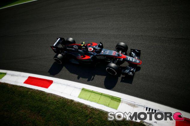 Otro fin de semana complicado para McLaren-Honda - LaF1