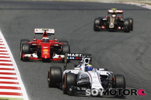 Felipe Massa por delante de Raikkonen en Barcelona - LaF1.es
