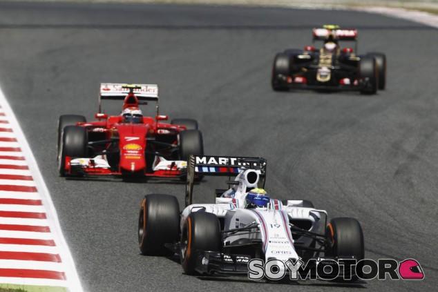 Felipe Massa por delante de Kimi Raikkonen - LaF1.es