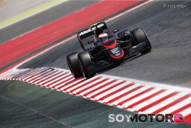 El MP4-30 de McLaren-Honda en Barcelona - LaF1.es