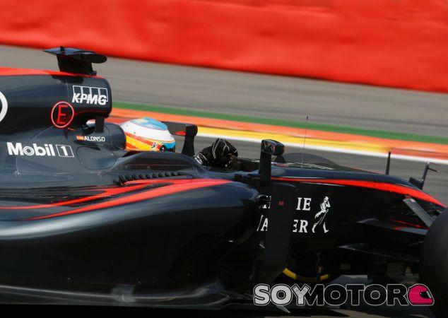 Fernando Alonso, a favor de los cockpits cerrados - LaF1