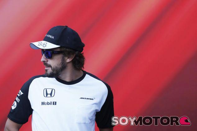 Fernando Alonso en Barcelona - LaF1.es