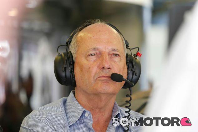 Ron Dennis está molesto con Fernando Alonso - LaF1