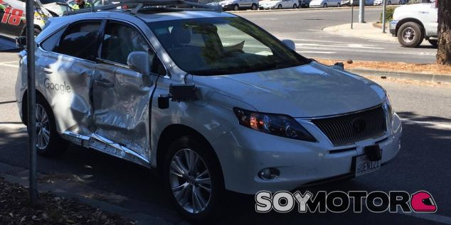 Coche autónomo de google accidentado en Mountain View - SoyMotor.com