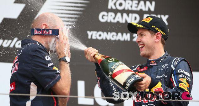 Adrian Newey y Vettel celebran en el GP de Corea - LaF1.es