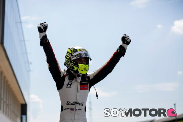 Enaam Ahmed celebra su doble victoria en Hungaroring –SoyMotor.com