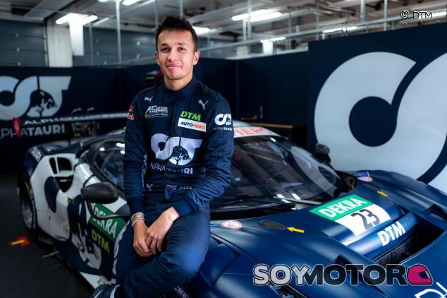 """Albon tiene claro su objetivo: """"Estoy dando el 110% para volver a la F1"""" - SoyMoto.com"""