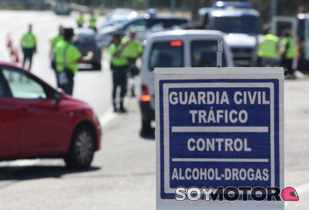 Arranca la campaña de Navidad con 25.000 controles de alcoholemia diarios - SoyMotor.com