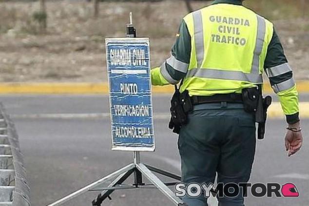 En España se dan 471 positivos por alcohol y/o drogas al día - SoyMotor.com