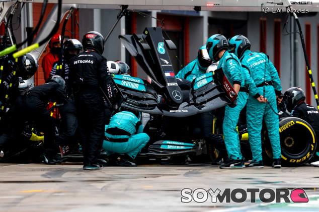 Red Bull exige a la FIA que controle el alerón delantero de Mercedes - SoyMotor.com