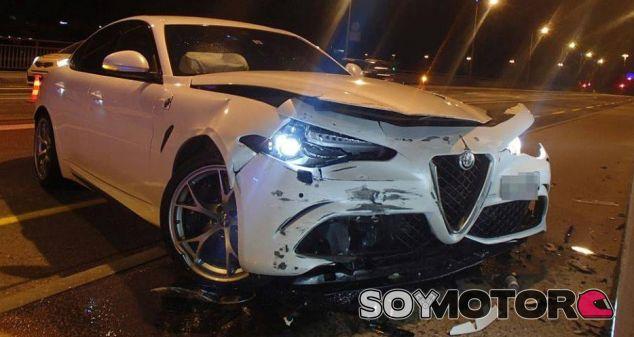 Cómo conseguir que Suiza te vete la entrada con un Alfa Romeo QV - SoyMotor.com