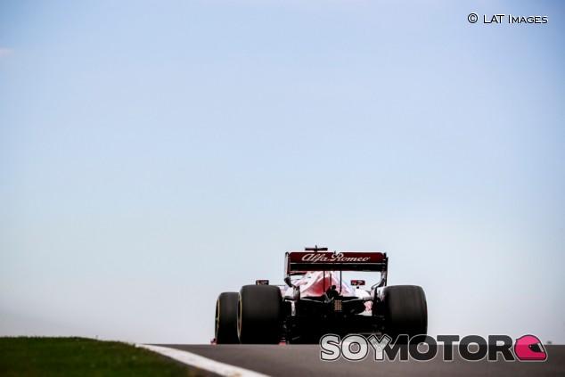 Alfa Romeo en el GP del 70º Aniversario F1 2020: Viernes - SoyMotor.com