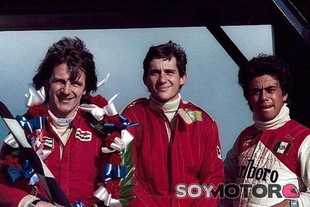 Alfonso Toledano junto a Ayrton Senna y Rick Morris en la Formula Ford - LaF1
