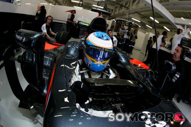 Alonso abandonó en la primera vuelta - LaF1
