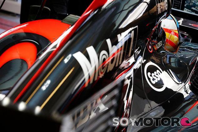 Alonso rebaja las expectativas tras acabar el viernes en el noveno puesto - LaF1