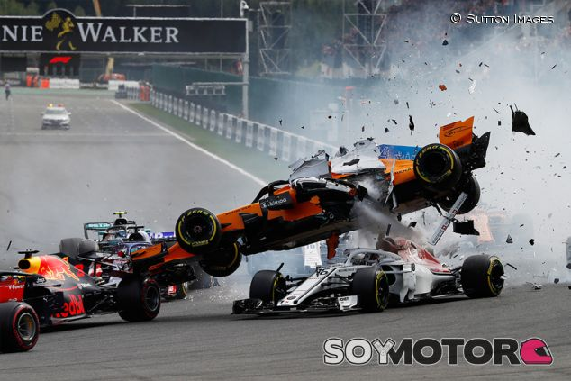 Accidente de Fernando Alonso en Spa - SoyMotor.com