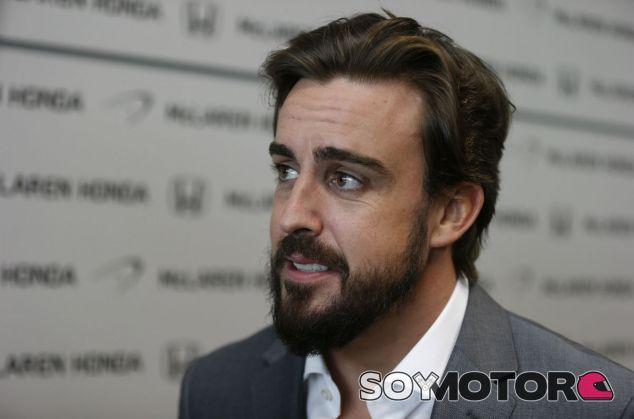 Alonso durante su presentación como piloto de McLaren - LaF1