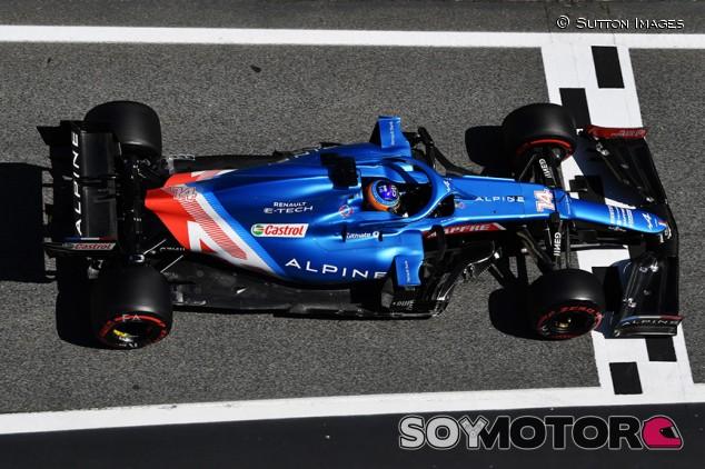 """Alonso prepara una carrera táctica: """"Mente abierta y a reaccionar"""" - SoyMotor.com"""