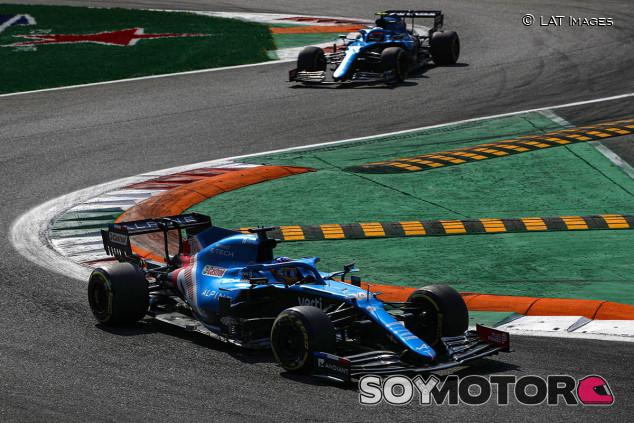 """Alonso: """"No tenemos el mejor coche del grupo medio, pero sí el mejor equipo"""" - SoyMotor.com"""