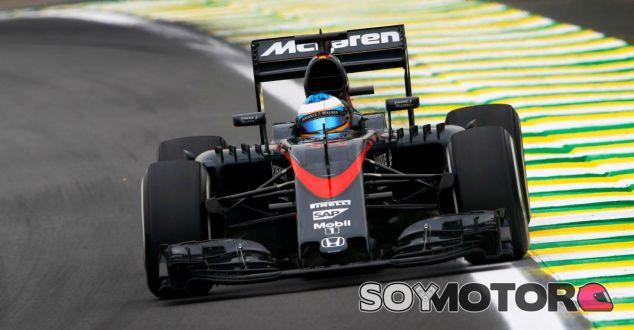 Fernando Alonso en el Gran Premio de Brasil - LaF1