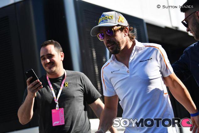 Fernando Alonso en el Circuit de Barcelona-Catalunya - SoyMotor