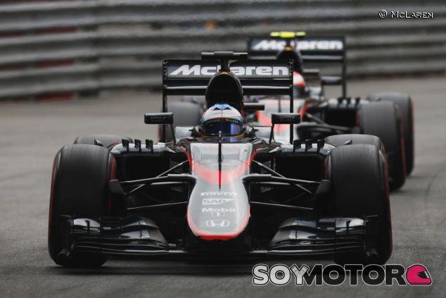 Fernando Alonso y Jenson Button en Mónaco - LaF1