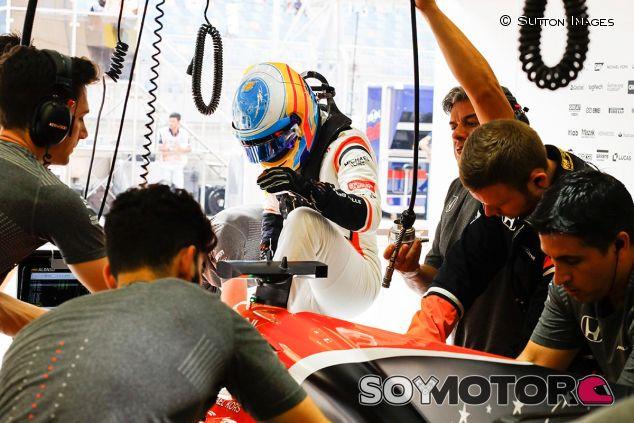 Fernando Alonso en Baréin - SoyMotor