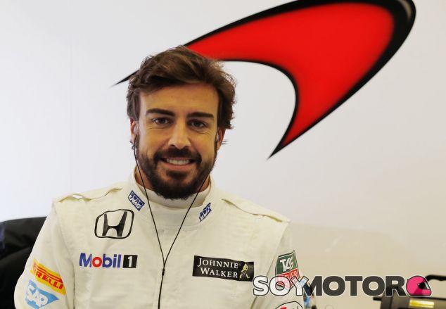 Fernando Alonso con el mono de McLaren-Honda - LaF1.es