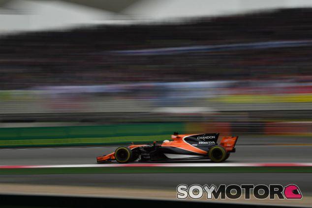 Alonso durante el Gran Premio de China - SoyMotor
