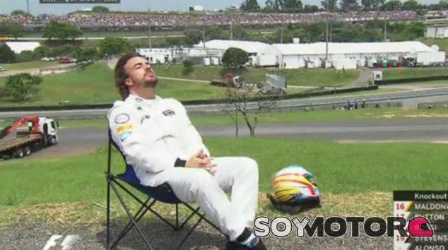 Fernando Alonso tras su avería en la Q1 de Brasil - LaF1
