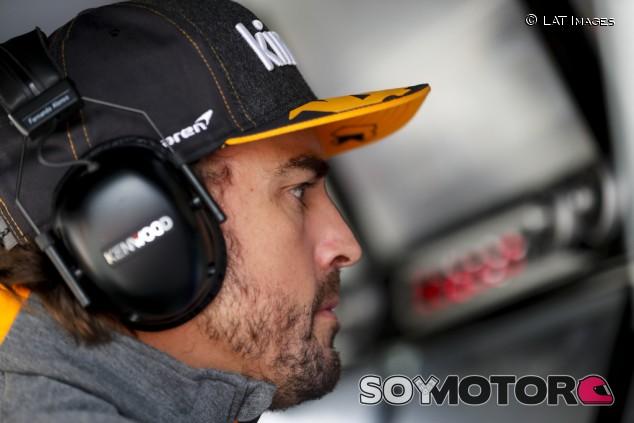 Alonso se suma a la campaña de Cruz Roja contra el coronavirus - SoyMotor.com