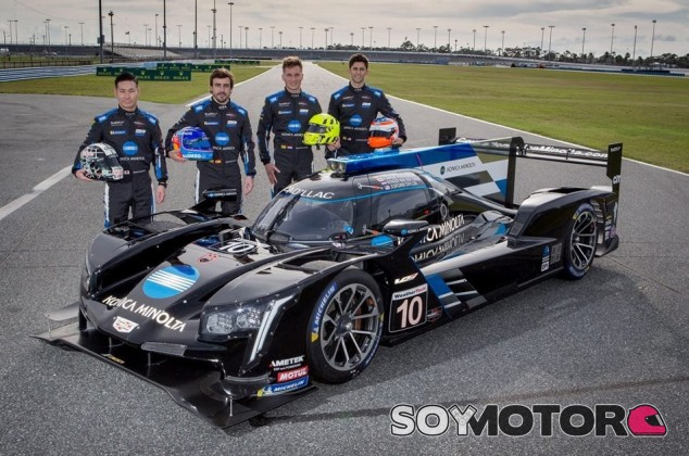 Fernando Alonso y sus compañeros en Daytona - SoyMotor.com