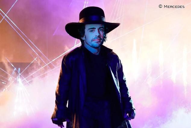 Alonso, el enterrador: un meme para celebrar el duelo con Hamilton - SoyMotor.com